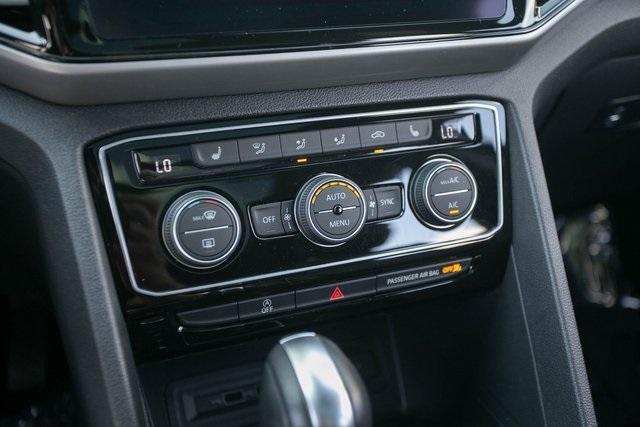 Used 2020 Volkswagen Atlas Cross Sport 3.6L V6 SEL for sale $43,495 at Gravity Autos Atlanta in Chamblee GA 30341 20