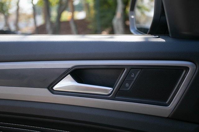 Used 2020 Volkswagen Atlas Cross Sport 3.6L V6 SEL for sale $43,495 at Gravity Autos Atlanta in Chamblee GA 30341 25