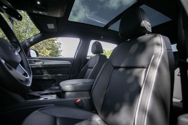 Used 2020 Volkswagen Atlas Cross Sport 3.6L V6 SEL for sale $43,495 at Gravity Autos Atlanta in Chamblee GA 30341 29