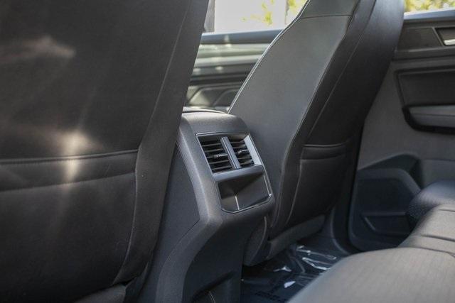 Used 2020 Volkswagen Atlas Cross Sport 3.6L V6 SEL for sale $43,495 at Gravity Autos Atlanta in Chamblee GA 30341 33