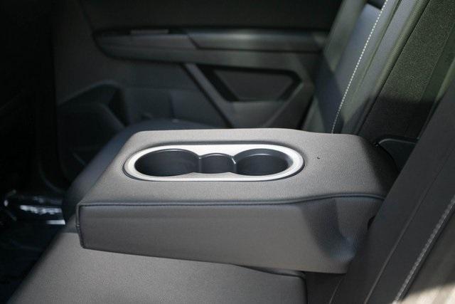Used 2020 Volkswagen Atlas Cross Sport 3.6L V6 SEL for sale $43,495 at Gravity Autos Atlanta in Chamblee GA 30341 34