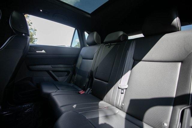 Used 2020 Volkswagen Atlas Cross Sport 3.6L V6 SEL for sale $43,495 at Gravity Autos Atlanta in Chamblee GA 30341 35