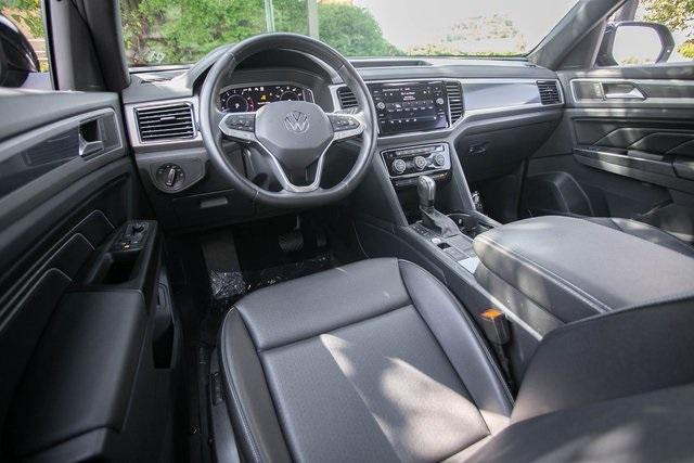 Used 2020 Volkswagen Atlas Cross Sport 3.6L V6 SEL for sale $43,495 at Gravity Autos Atlanta in Chamblee GA 30341 4