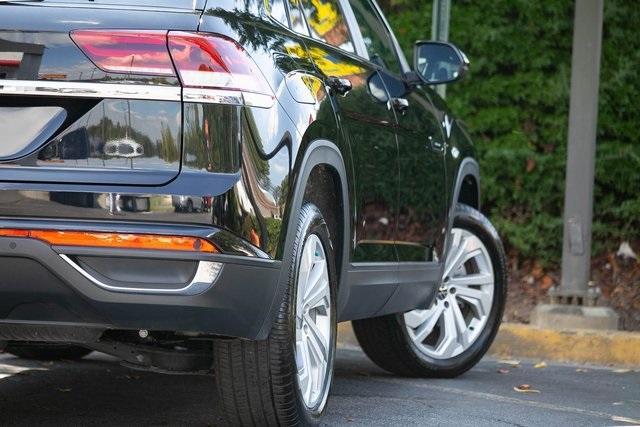 Used 2020 Volkswagen Atlas Cross Sport 3.6L V6 SEL for sale $43,495 at Gravity Autos Atlanta in Chamblee GA 30341 40