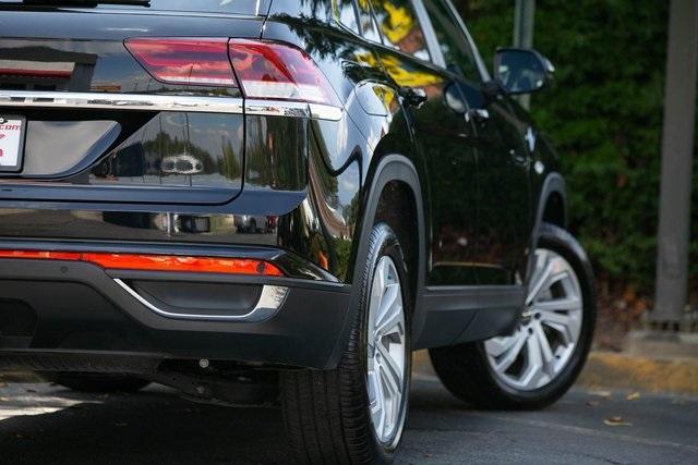 Used 2020 Volkswagen Atlas Cross Sport 3.6L V6 SEL for sale $43,495 at Gravity Autos Atlanta in Chamblee GA 30341 42