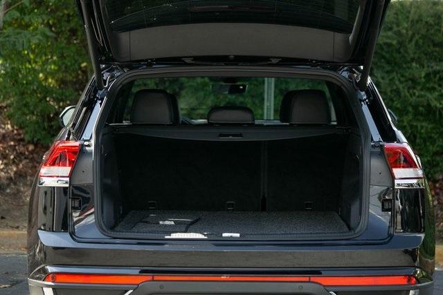 Used 2020 Volkswagen Atlas Cross Sport 3.6L V6 SEL for sale $43,495 at Gravity Autos Atlanta in Chamblee GA 30341 43