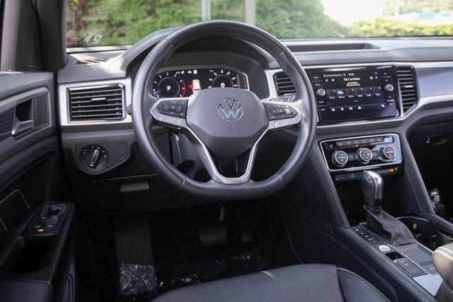 Used 2020 Volkswagen Atlas Cross Sport 3.6L V6 SEL for sale $43,495 at Gravity Autos Atlanta in Chamblee GA 30341 5