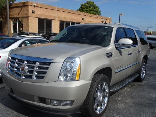 Used 2009 Cadillac Escalade ESV for sale Sold at Gravity Autos in Roswell GA 30076 3