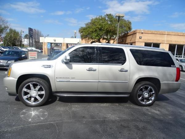 Used 2009 Cadillac Escalade ESV for sale Sold at Gravity Autos in Roswell GA 30076 4