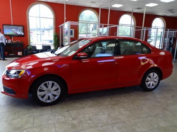 Used 2012 Volkswagen Jetta Sedan SE PZEV for sale Sold at Gravity Autos in Roswell GA 30076 4