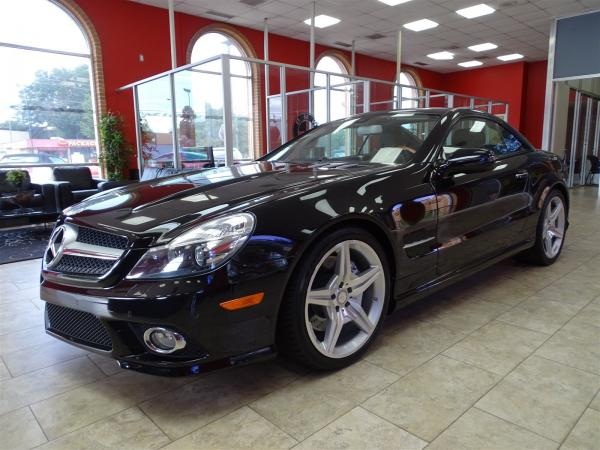 Used 2012 Mercedes-Benz SL-Class SL550 for sale Sold at Gravity Autos in Roswell GA 30076 3