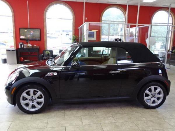 Used 2009 MINI Cooper Convertible S for sale Sold at Gravity Autos in Roswell GA 30076 4