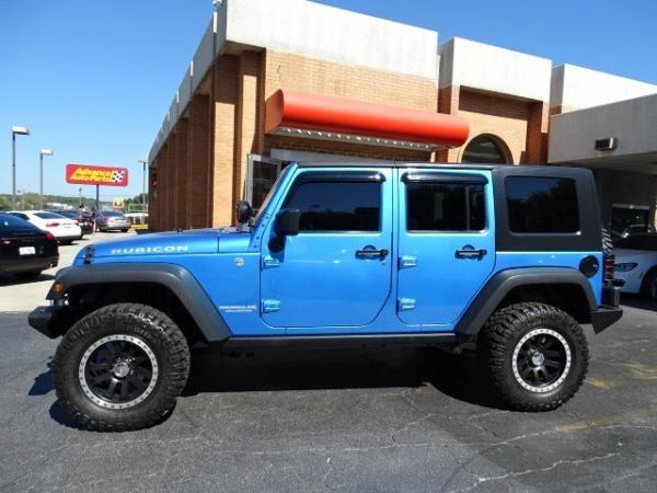 Used 2010 Jeep Wrangler Unlimited Rubicon for sale Sold at Gravity Autos in Roswell GA 30076 4