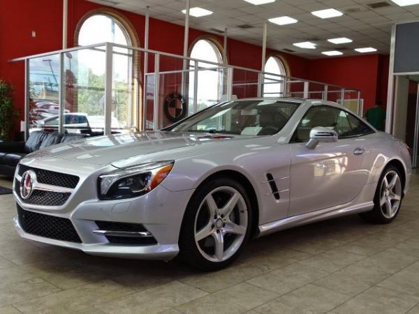 Used 2014 Mercedes-Benz SL-Class SL550 for sale Sold at Gravity Autos in Roswell GA 30076 3
