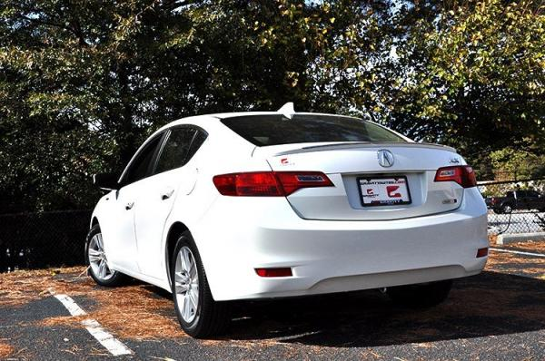 Used 2013 Acura ILX Hybrid Tech Pkg for sale Sold at Gravity Autos in Roswell GA 30076 4