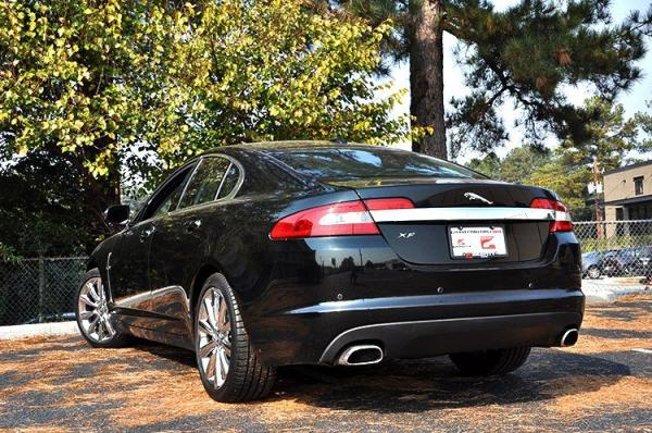 Used 2011 Jaguar XF Premium for sale Sold at Gravity Autos in Roswell GA 30076 4