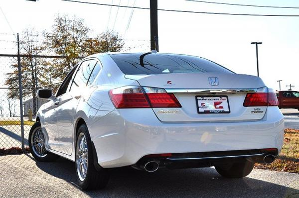 Used 2014 Honda Accord Sedan Touring for sale Sold at Gravity Autos in Roswell GA 30076 4