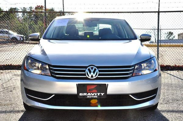 Used 2014 Volkswagen Passat SE w/Snrf/Nav for sale Sold at Gravity Autos in Roswell GA 30076 3