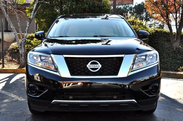 Used 2015 Nissan Pathfinder S for sale Sold at Gravity Autos in Roswell GA 30076 3